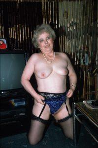 Alte Strapsluder im Sexweb